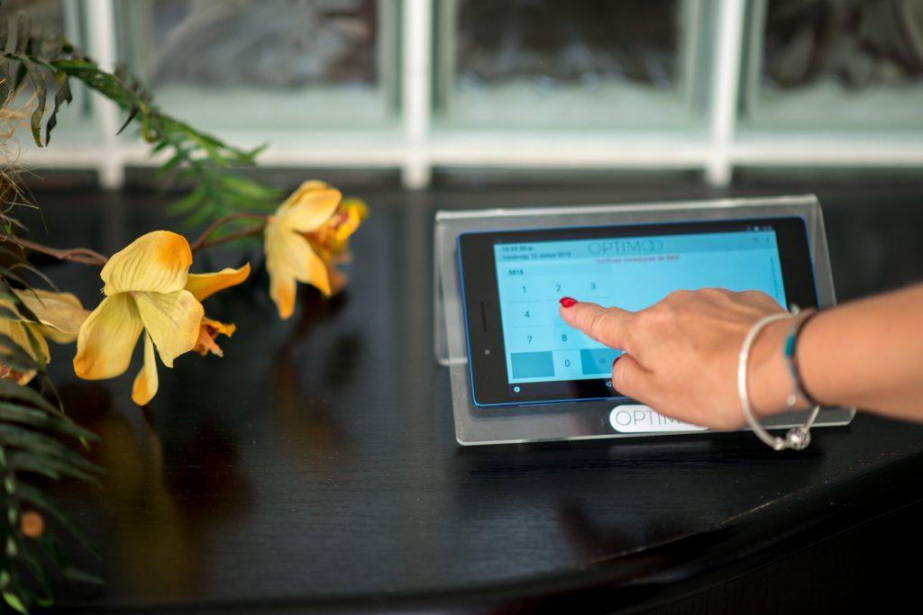 control acces pontare cu tableta